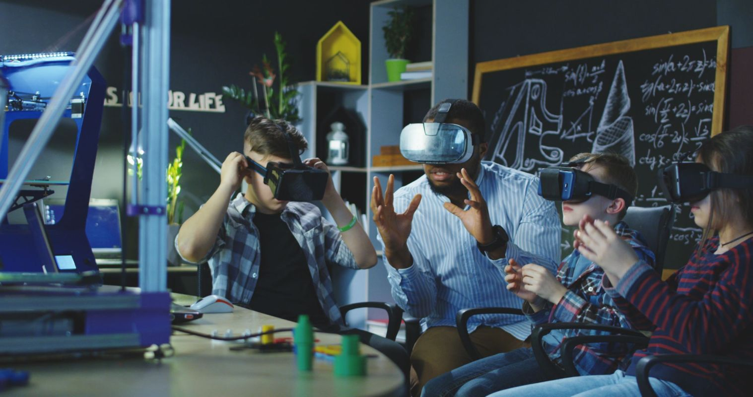 students' knowledge level was enhanced by 37% after using VR, according to research analysis.